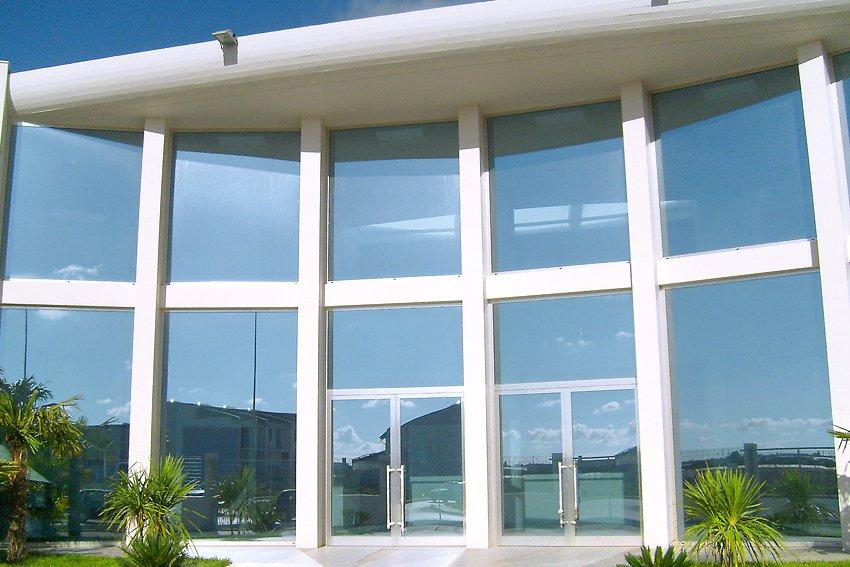 Photogallery di prodotti accessori per edilizia - Vetrate per esterni ...