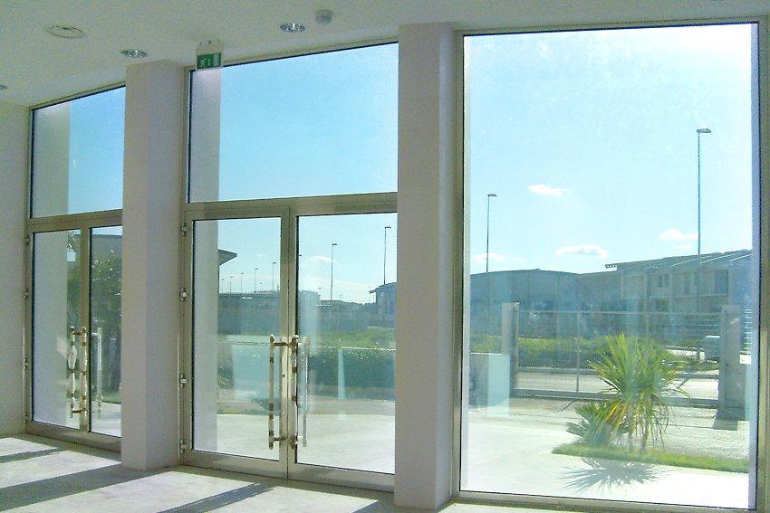 Photogallery di prodotti accessori per edilizia - Porte ingresso vetro ...
